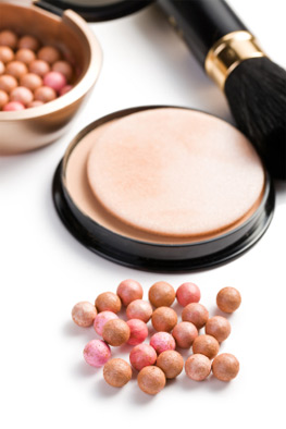 Bronzing pearls and brush
